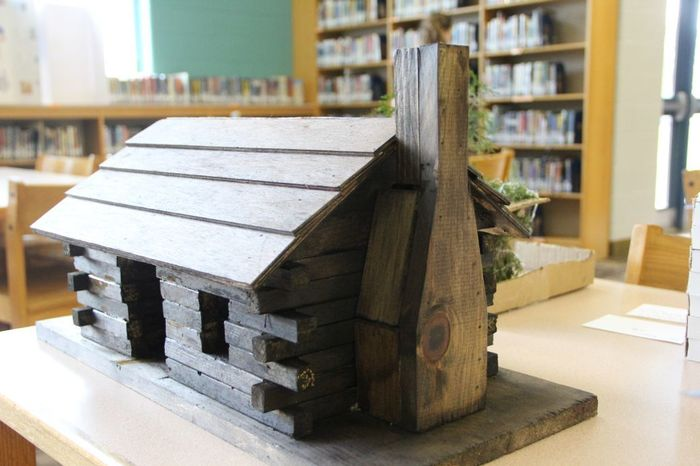3D models of Abraham Lincolns log cabin